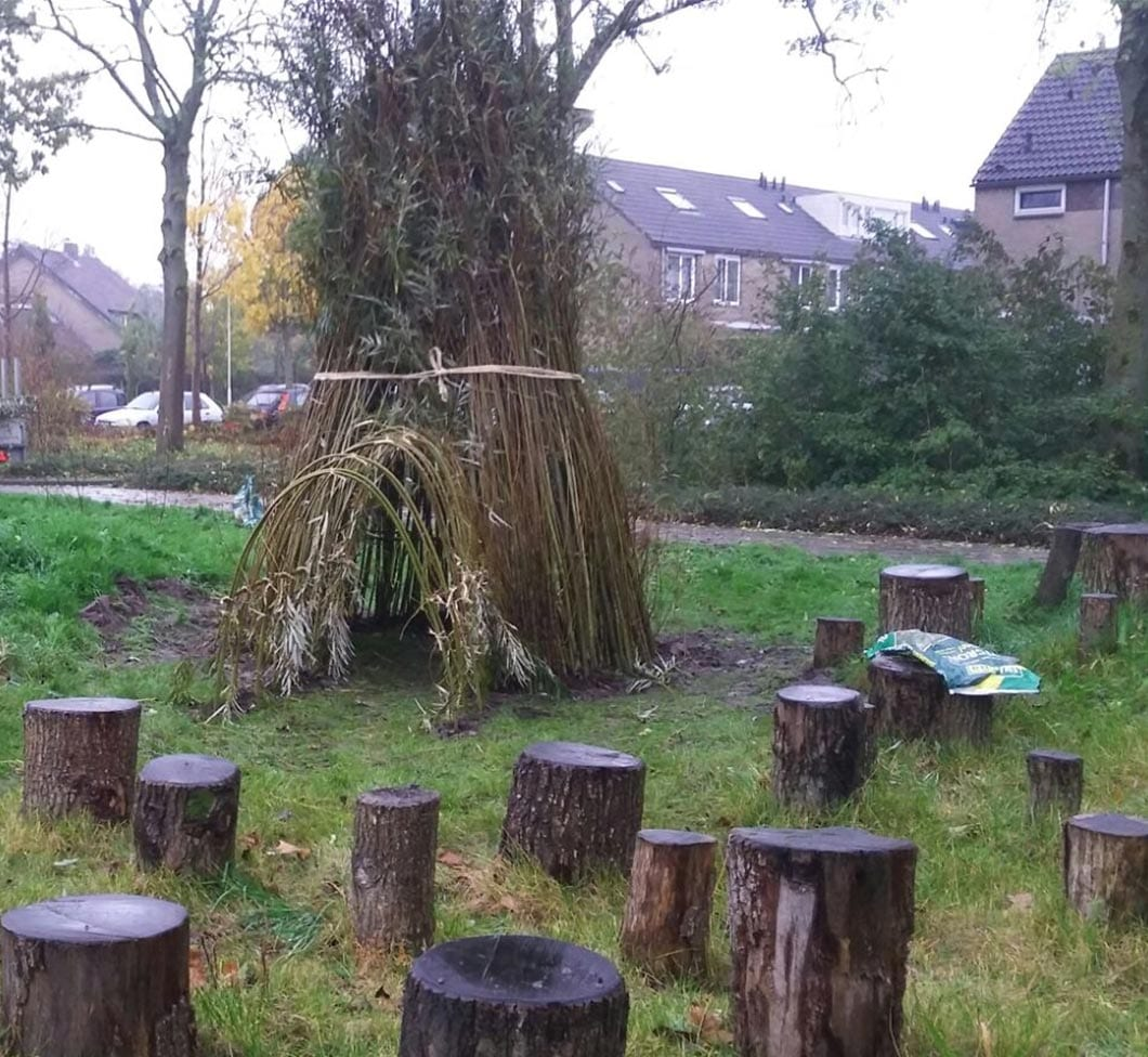 Willow and natural playgrounds -
